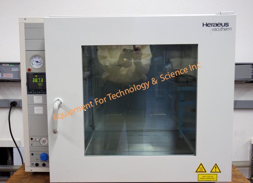 Heraeus VT6130M vacuum oven, max 200C, programmable