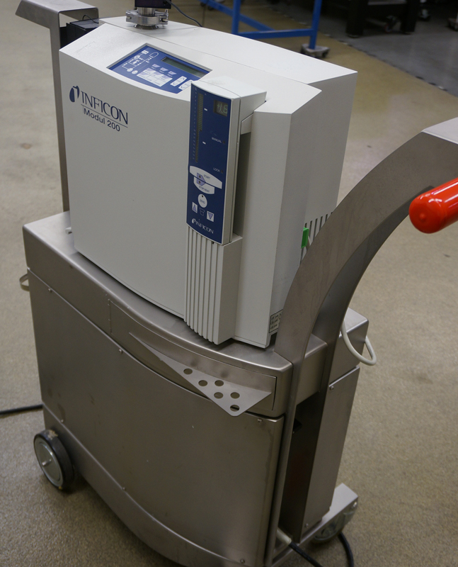 Inficon UL-200 dry Leak Detector with stainless clean room cart and partial flow pumping system