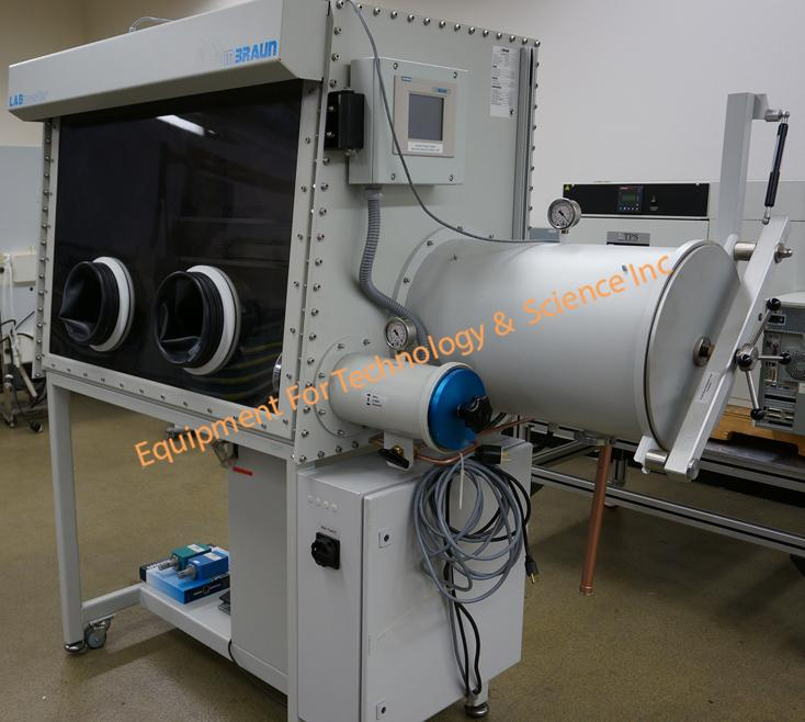 MBraun Labmaster 130 glovebox with purifier, moisture and oxygen monitor