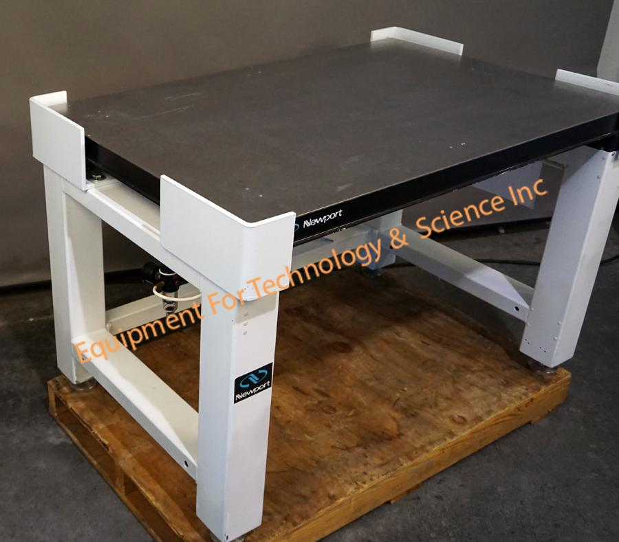 Newport VH3048 vibration isolation table, 48in x 30in