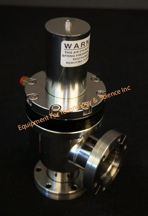 Norcal CSVP-1502-CF right angle UHV pneumatic valve 2.75OD CF